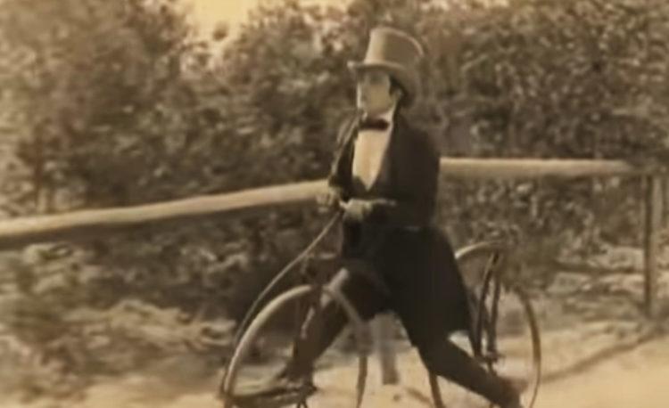 La draisienne améliorée devient le vélocipède