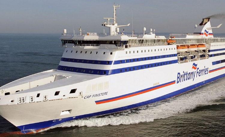 Cap Finistère est un ferry de la compagnie Brittany Ferries)